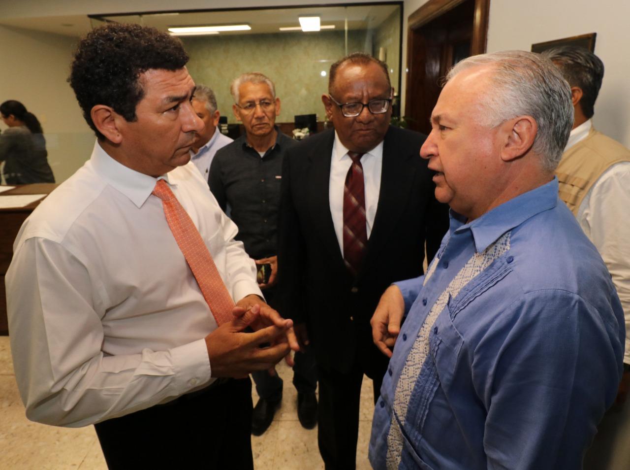 Mario López, Alcalde comprometido con su pueblo; afirma Héctor Garza González, Oficial Mayor de la SEP