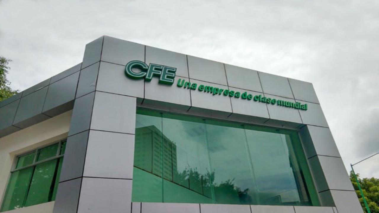 Andrés Manuel acepta que CFE puede irse a la quiebra