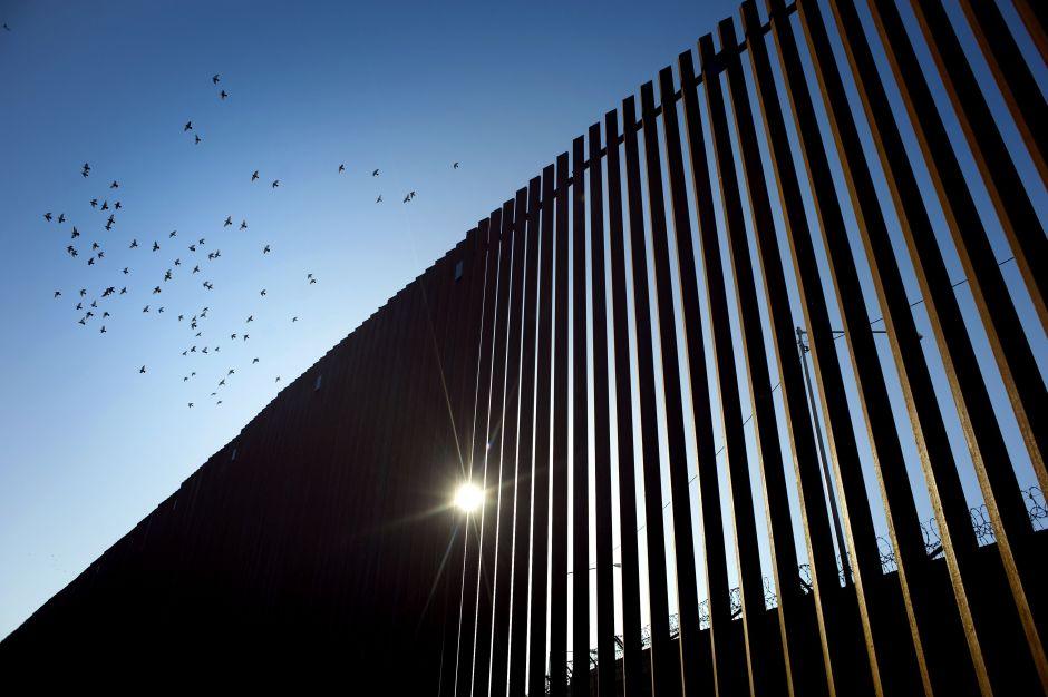 """La reacción de Trump tras visitar su """"muro"""" fronterizo"""