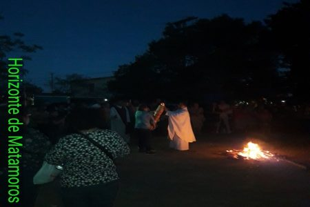 Ayer Sábado Santo: noche en que los católicos celebraron la Vigilia Pascual en la Parroquia de San Agustín