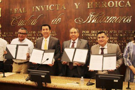 """Firman subsecretario Horacio Duarte y alcalde Mario López convenio del programa """"Jóvenes Construyendo el Futuro"""""""