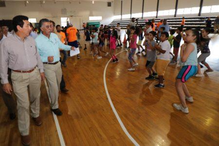 """Con rehabilitación a su infraestructura, municipio dará más utilidad al deportivo """"Ing. Eduardo Chávez""""; anuncia Alcalde Mario López"""