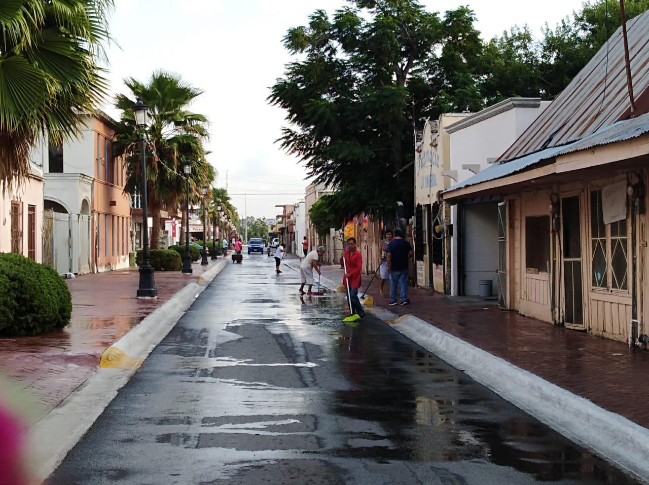 Se suman expositores de Calle 9, a acciones de  limpieza emprendidas por el alcalde Mario López
