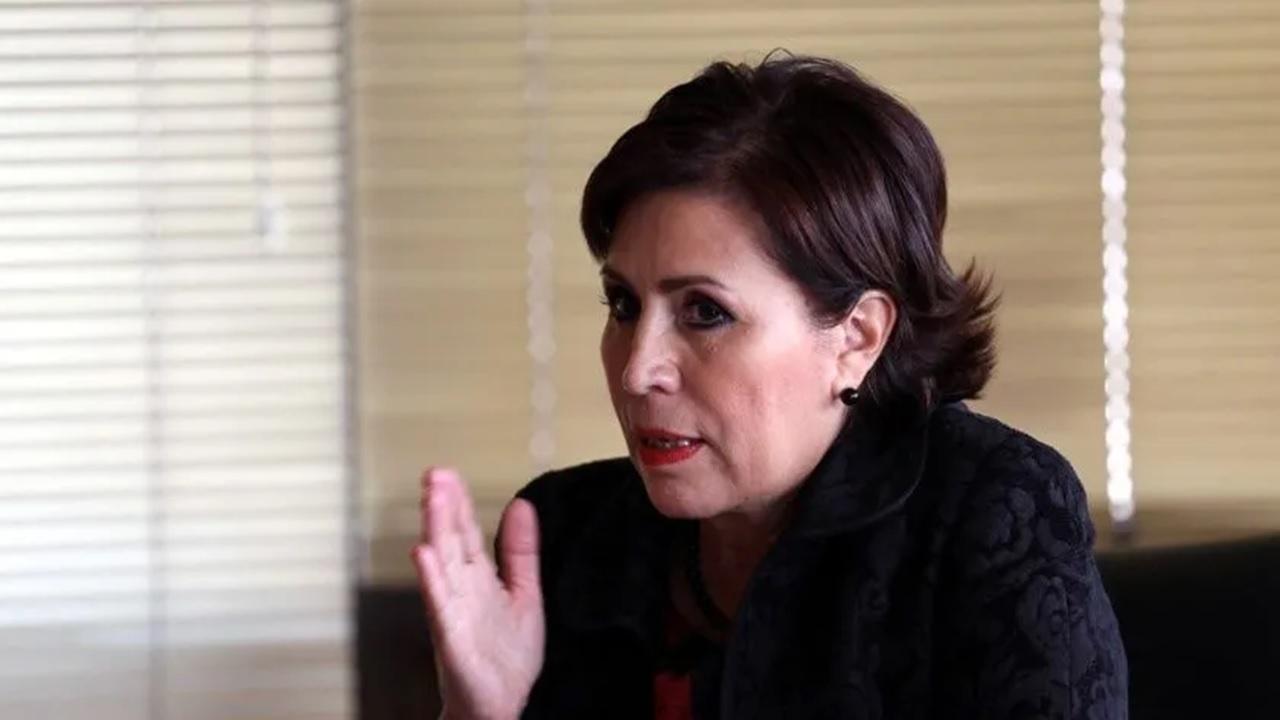 Llega Rosario Robles a Reclusorio Sur para audiencia