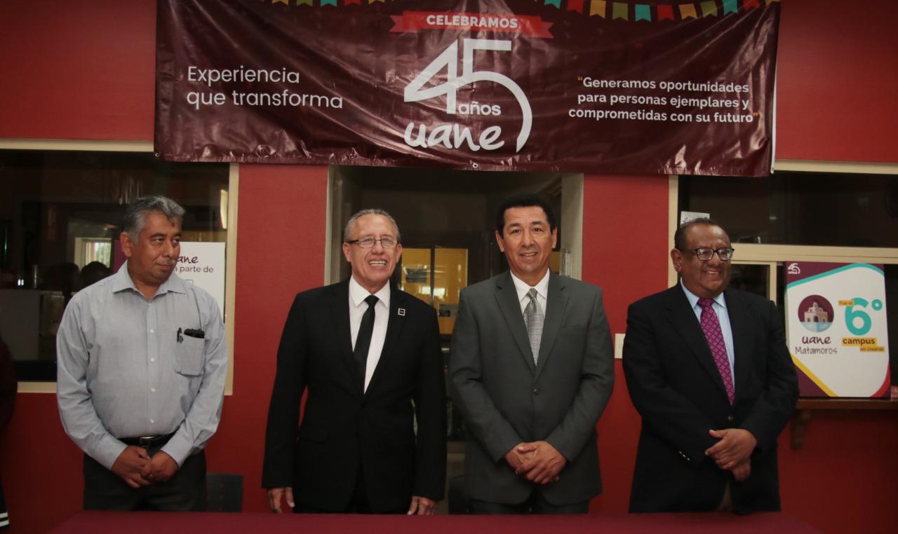 Convoca alcalde Mario López a los alumnos de la UANE a que nunca desistan de sus sueños