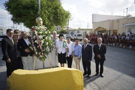 Conmemoran autoridades aniversario luctuoso del profesor y poeta José Arrese Falcón