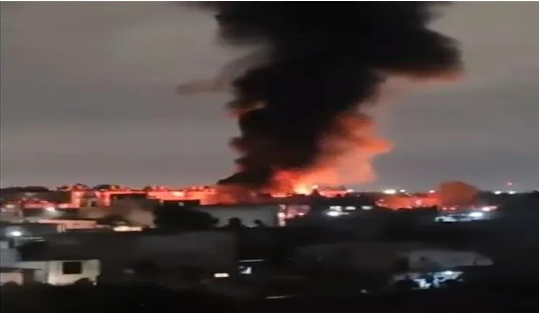 Se registra incendio en bodega de Tepito