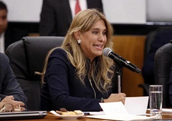 Maki Ortiz, Alcaldesa de Reynosa propone crear impuestos a tacos y elotes