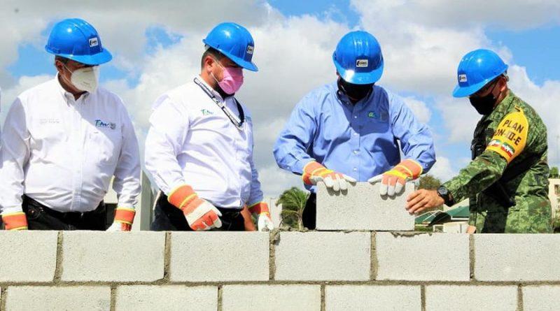 Gobernador del Estado, Francisco  Javier Cabeza de Vaca, instaló primera piedra del Laboratorio de Equipo Pesado