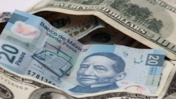 Pierde terreno el peso frente al dólar