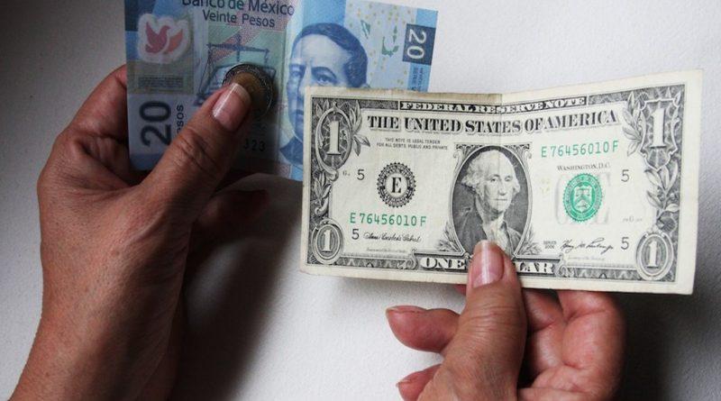 Ganancias para la moneda mexicana al iniciar jornada