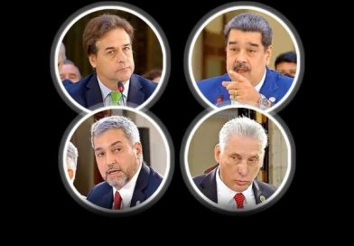 Confronta a líderes falta de democracia